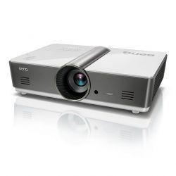 Мультимедийный проектор BenQ MH760.