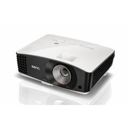 Мультимедийный проектор BenQ MU706.