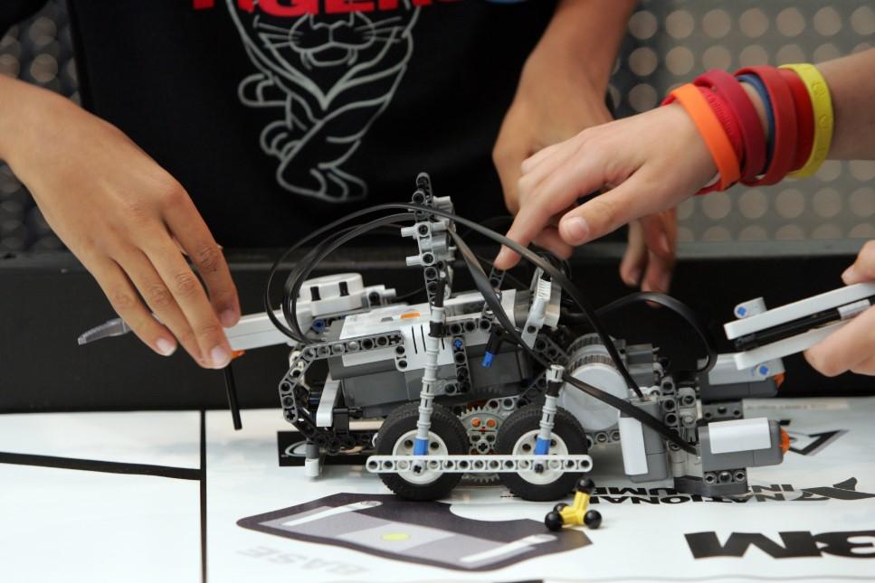 Полное оснащение кабинетов робототехники